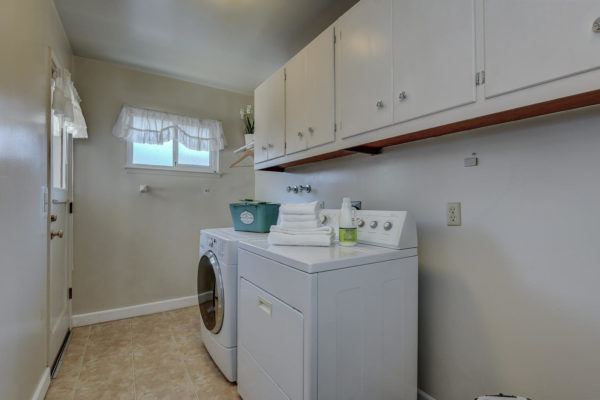 1417 Brookmill Rd Los Altos CA-large-019-6-Laundry Room-1500x1000-72dpi