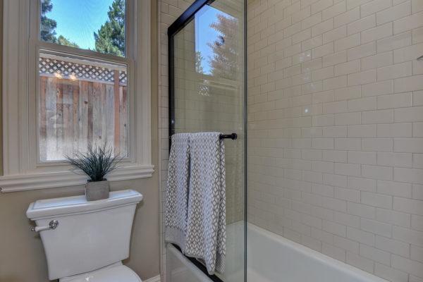 221 W Edith Ave Los Altos CA-large-024-5-Jack and Jill Bathroom Two-1499x1000-72dpi