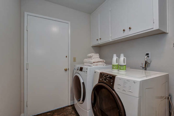 1093 Eastwood Ct Los Altos CA-small-027-3-Laundry Room-666x444-72dpi